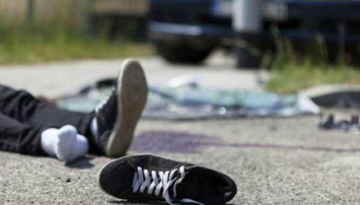 गया: नशे में धुत कार चालक ने मारी चार युवकों की टक्कर, एक की मौत