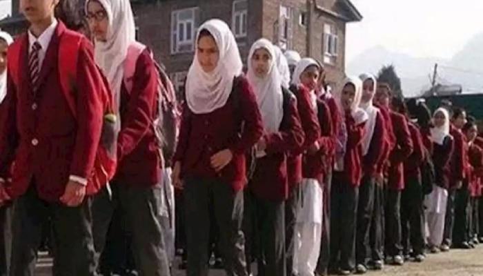 जम्मू कश्मीर में सामान्य हो रहे हैं हालात, देखिए चार अहम सबूत