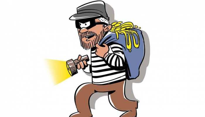 अलवर: बैंक से पैसे निकालने के बाद गायब हुए 2 लाख, पुलिस कर रही चोर की तलाश