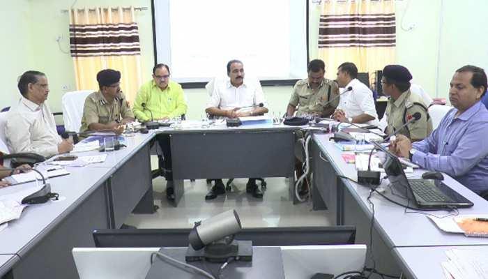 मंडावा: उपचुनावों की लेकर निर्वाचन अधिकारी आनंद कुमार ने की बैठक, तैयारियों का लिया जायजा