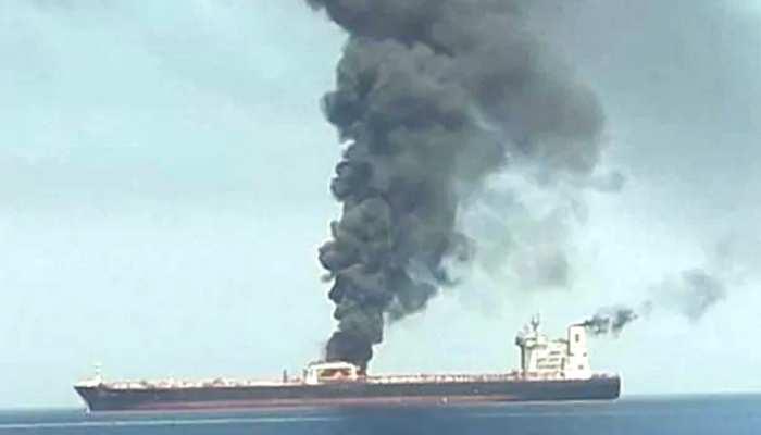 जेद्दा के पास ईरानी टैंकर में विस्फोट, आग लगी