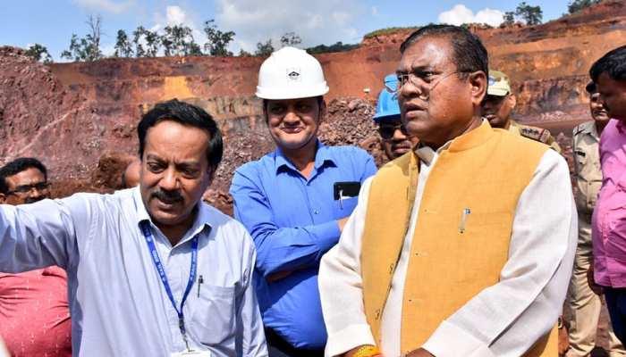 केंद्रीय मंत्री फगन सिंह कुलस्ते ने किया SAIL के खदानों का निरीक्षण, कहा- जल्द दूर होगी मंदी