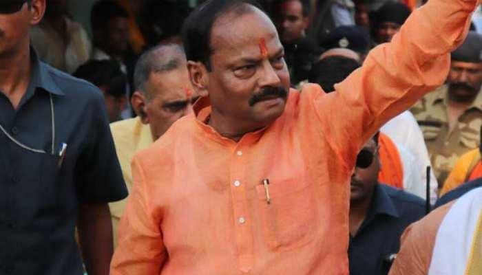 चाईबासा: CM रघुवर दास का विपक्ष पर निशाना, कहा- कांग्रेस और जेएमएम ने सिर्फ झारखंड को लूटा