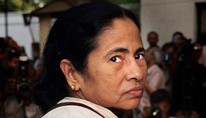 घाटशिला: RSS कार्यकर्ता की हत्या के विरोध में ममता बनर्जी का पुतला फूंककर लोगों ने जताई नाराजगी