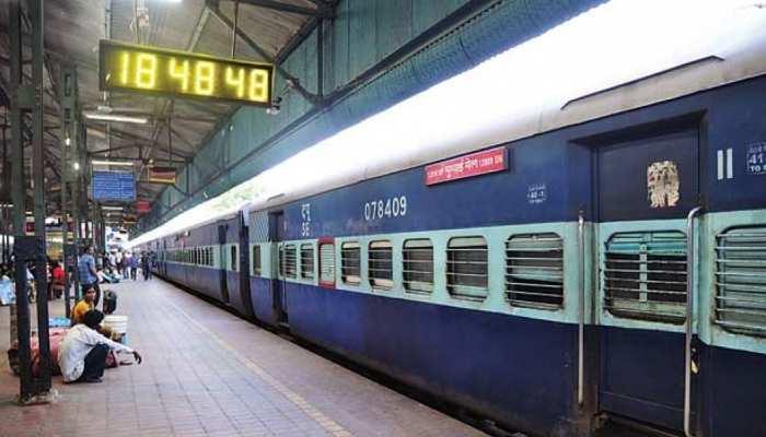 Railway का यात्रियों को सबसे बड़ा तोहफा, आज से शुरू हो रहीं 10 नई ट्रेनें