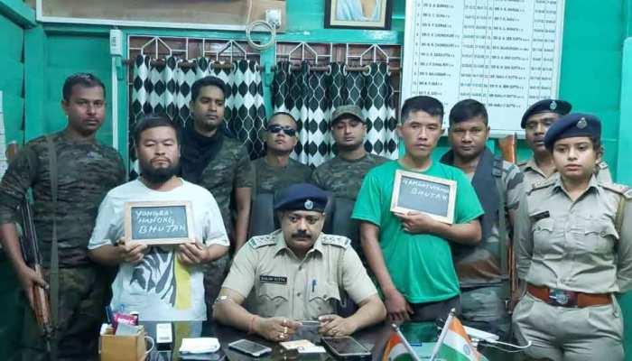 असम: रॉयल बंगाल टाइगर की खाल और हड्डियों के साथ 2 अंतर्राष्ट्रीय तस्कर गिरफ्तार