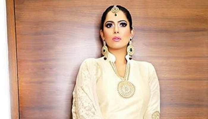 Lifestyle Festive Look: बॉलीवुड से लेकर हॉलीवुड में नाम कमा रही हैं आयशा मुल्ला