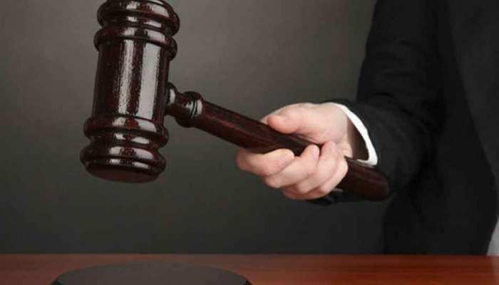 भोपाल: तलाक के मामले में फैमिली कोर्ट का पति को आदेश, 'पहले पत्नी को करवा चौथ की शॉपिंग कराओ, फिर करेंगे सुनवाई'