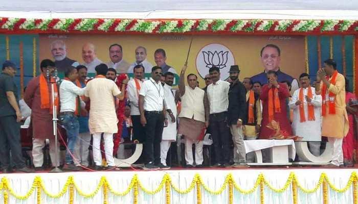 जय श्री राम के नारों के साथ विजय रुपाणी बोले- जल्द होगा अयोध्या में राम मंदिर का निर्माण