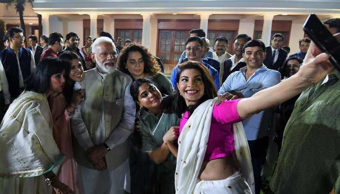 फिल्मी सितारों को पीएम मोदी ने सिखाया गांधीवाद