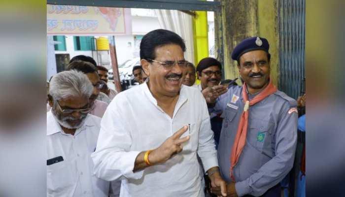 जयपुर: कांग्रेस PCC में मंत्री उदयलाल आंजना ने लगाया जनता दरबार, सुनी लोगों की समस्याएं