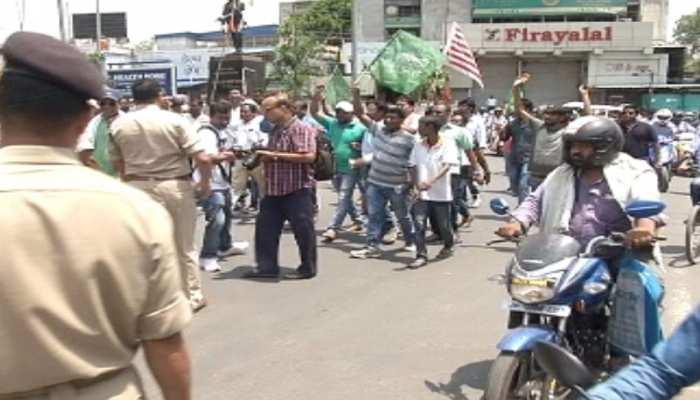 रांची: गोलीबारी, लूटपाट के विरोध में दुकानें आधा दिन बंद रहीं