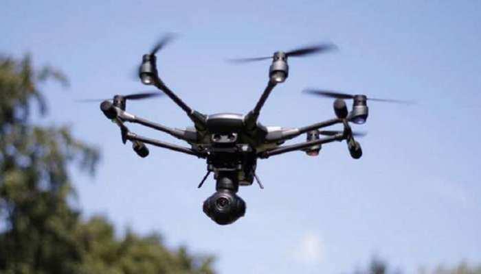 पंजाब: हुसैनीवाला बॉर्डर पर फिर देखे गए पाकिस्तानी ड्रोन, BSF ने की फायरिंग