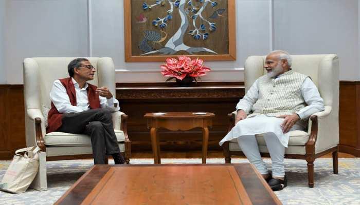 पीएम मोदी से मिले नोबेल विजेता अभिजीत बनर्जी, PM ने कहा- उपलब्धियों पर देश को गर्व