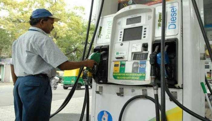 पेट्रोल-डीजल की कीमत में नहीं हुआ बदलाव, जानिए आज का भाव