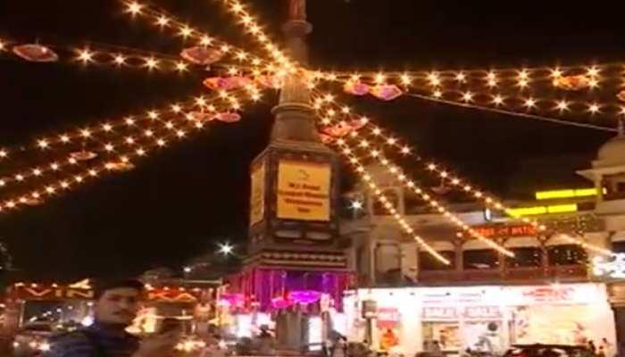 जयपुर की चारदीवारी में पेरिस का नजारा, बाजार में रोशन हुआ चंद्रयान-2