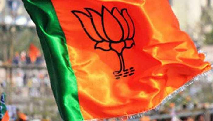 मऊ: सब्जी वाले का बेटा बना विधायक, उपचुनाव में BJP के विजय राजभर की जीत