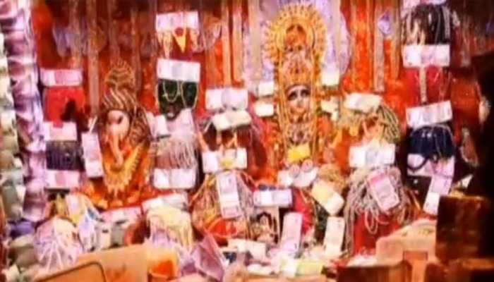 This temple of Ratlam converted into Kubera's khazana on Dhanteras, see PICS