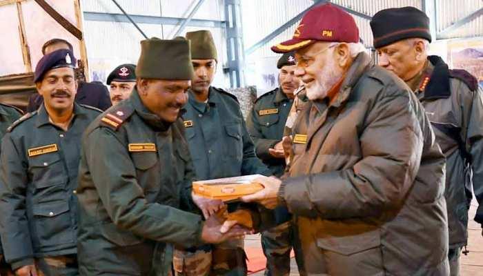 पीएम नरेंद्र मोदी एक बार फिर सेना-सुरक्षाबलों के जवानों के साथ मनाएंगे दीपावली: सूत्र