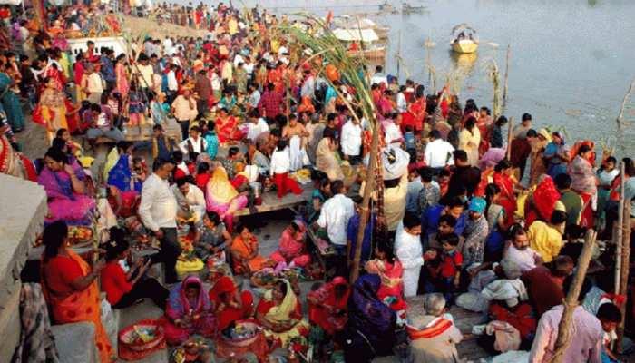 बाढ़: छठ के जरिए पेश हो रही एकता की मिसाल, 40 साल से परिवार बेच रहा है सूप