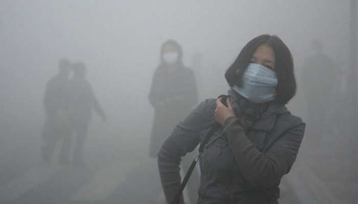 दिल्ली-एनसीआर में धुंध की चादर, हवा की गुणवत्ता 'अति गंभीर'