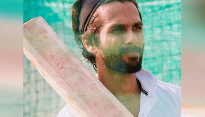 'जर्सी' की तैयारी में जुटे शाहिद कपूर, सामने आई क्रिकेट कोचिंग की पहली तस्वीर