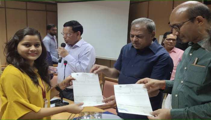 मिसाल बने राजस्थान यूनिवर्सिटी के कुलपति, एरियर में मिले पैसे से दी स्कॉलरशिप