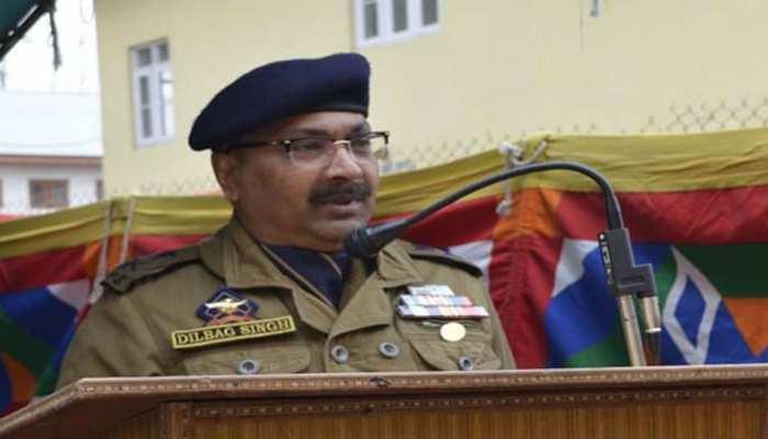कुछ लोग J&K में अभी भी आतंकवाद फैलाने की कोशिश कर रहे हैं: डीजीपी दिलबाग सिंह