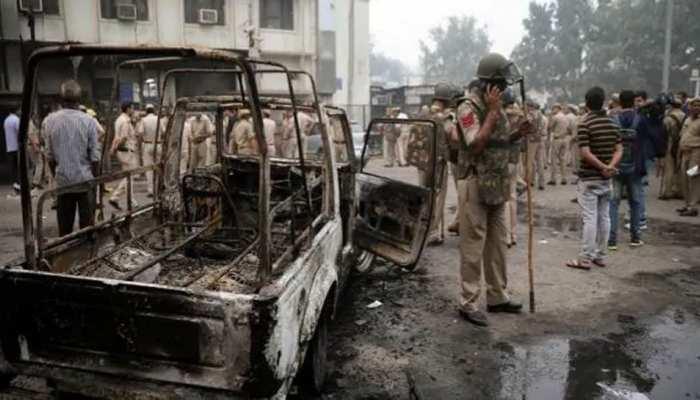 तीस हजारी कोर्ट हिंसा LIVE UPDATES : दिल्ली HC ने केंद्र और बार एसोसिएशंस को जारी किया नोटिस