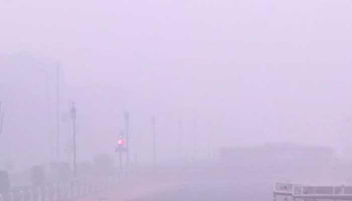 दम घोंटता जानलेवा प्रदूषण, गाजियाबाद-नोएडा के सभी स्कूल कल तक के लिए बंद