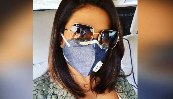 दिल्ली में मास्क लगाई नजर आईं प्रियंका चोपड़ा, प्रदूषण पर कहा- 'यहां शूटिंग करना कठिन है'