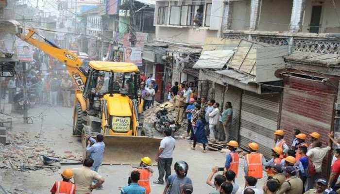 वैध निर्माण तोड़ने के मामले में प्रशासन बैकफुट पर, CM त्रिवेंद्र ने दिए जांच के आदेश