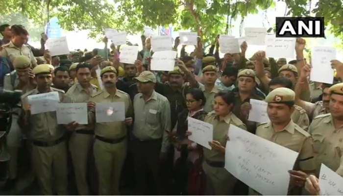वकीलों के हमले में घायल पुलिसवालों को मिली राजस्थान की हमदर्दी, सौपेंगे 2 लाख