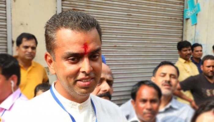 कांग्रेस-NCP को सरकार बनाने का न्योता भेजें राज्यपाल: मिलिंद देवड़ा