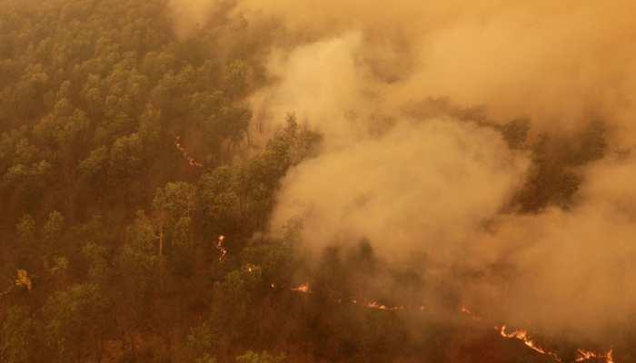 ऑस्ट्रेलिया के जंगल में धधकी भीषण आग, 3 लोगों की मौत, चार लापता