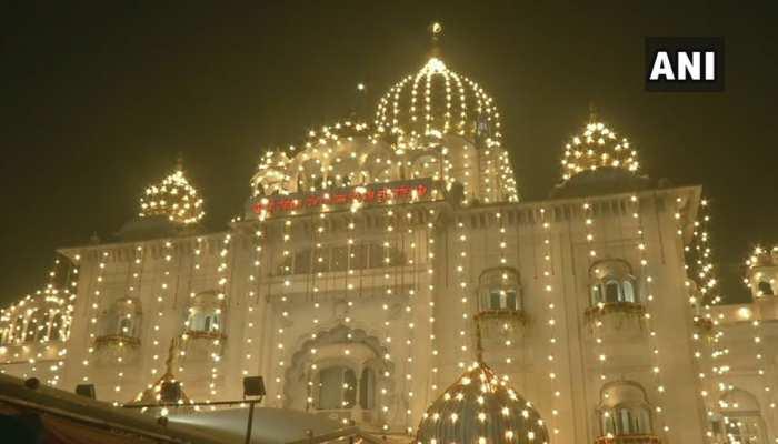 देशभर में धूमधाम से मनाया जा रहा गुरु नानक देव जी का 550वां प्रकाश पर्व