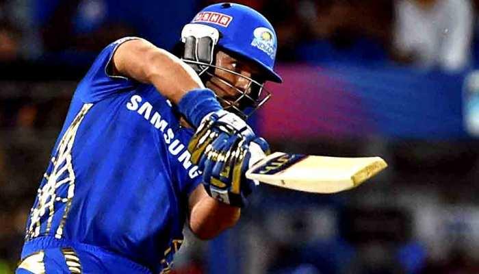 IPL 2020: मुंबई इंडियंस ने 18 खिलाड़ियों को किया रीटेन, युवराज समेत 12 खिलाड़ी होंगे बाहर