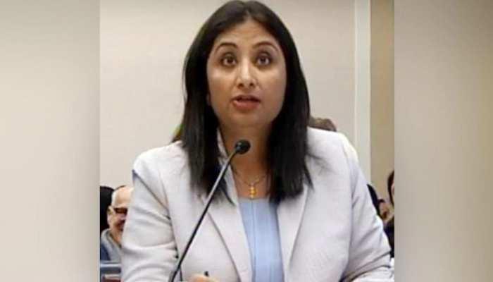 भारतीय लेखिका ने कश्मीर मामले पर अमेरिकी सदन में कर दी सबकी बोलती बंद