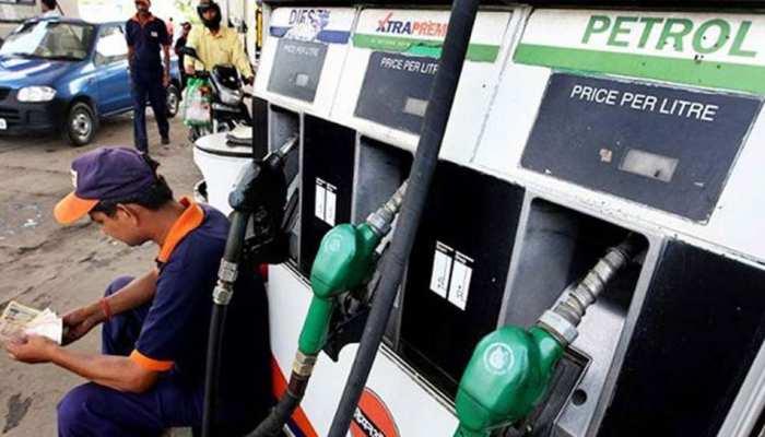 पेट्रोल के दाम लगातार तीसरे दिन बढ़े, डीजल की कीमत स्थिर; जानिए आज के रेट