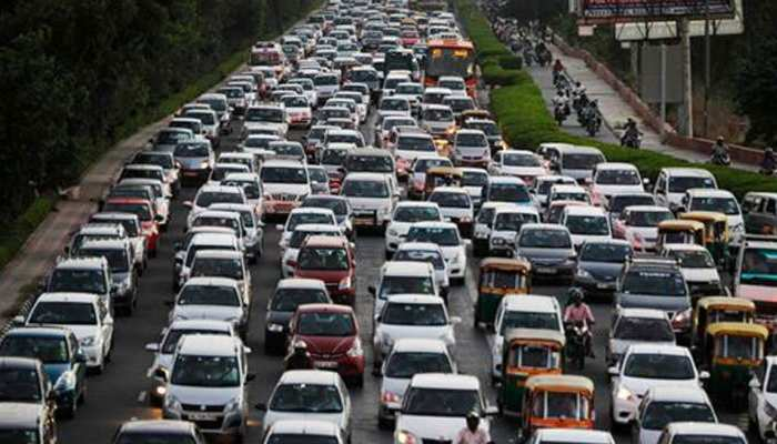 दिल्ली: ऑड-ईवन की तीसरी पारी में 4,806 लोगों ने तोड़ा नियम