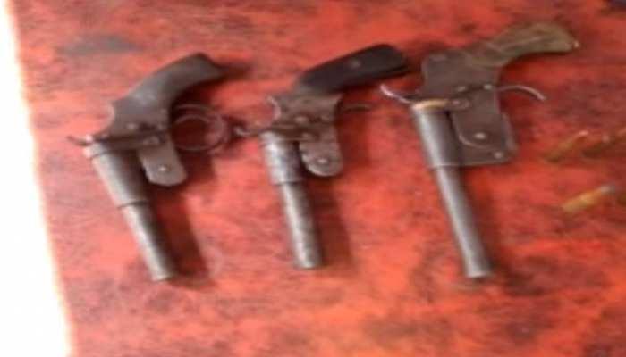 बाढ: लूट की योजना बना रहे थे अपराधी, पुलिस के डर से किया सरेंडर