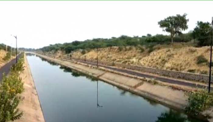 खेत से नहर निकलने के बाद भी सिंचाई के पानी के लिए तरस रहे जालोर के किसान