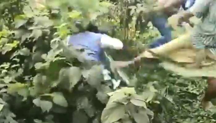 VIDEO: बंगाल उपचुनाव के दौरान बवाल, TMC कार्यकर्ताओं पर BJP प्रत्याशी की पिटाई का आरोप