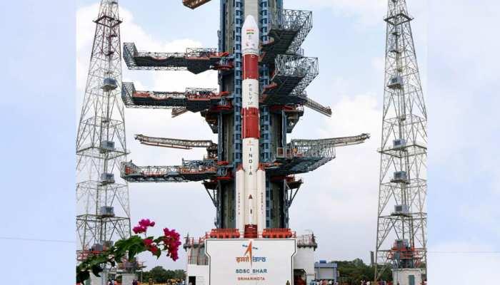 ISRO : PSLV-C47 कल काटरेसैट-3 और 13 वाणिज्यिक छोटे उपग्रहों के साथ होगा अंतरिक्ष रवाना