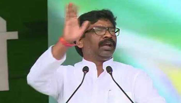झारखंड चुनाव: घाटशिला में हेमंत सोरेन की 'हुंकार', बोले- बेरोजगारी में भटक रहे हैं युवा
