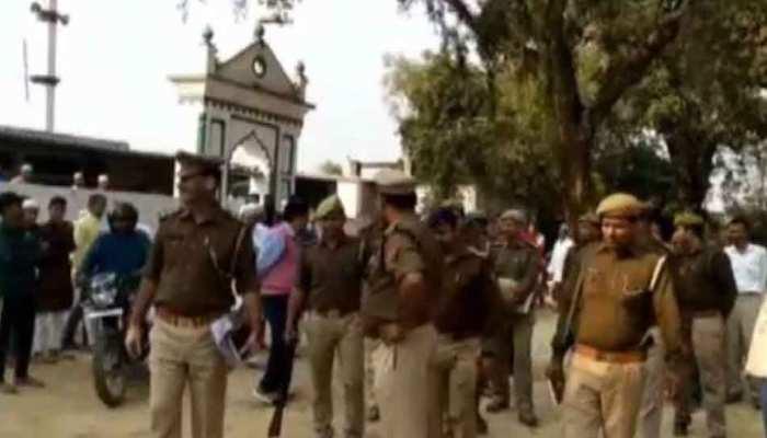 एसपी ने लगाई पुलिस लाइन की मस्जिद में बाहरी लोगों की एंट्री पर रोक, मचा हंगामा