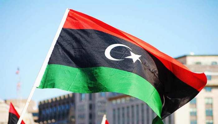 लीबिया: नौसेना ने यूरोप जा रहे 200 प्रवासियों को बचाया