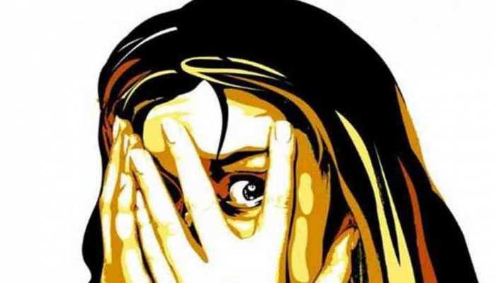 मंदसौर: पड़ोसी ने नाबालिग से किया बलात्कार, मामला दर्ज, युवक फरार