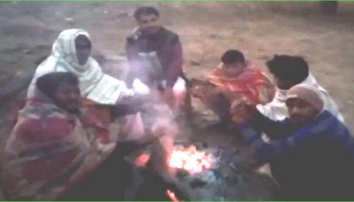 कड़ाके की ठंड से कांपा सीकर, लोगों ने लिया अलाव का सहारा