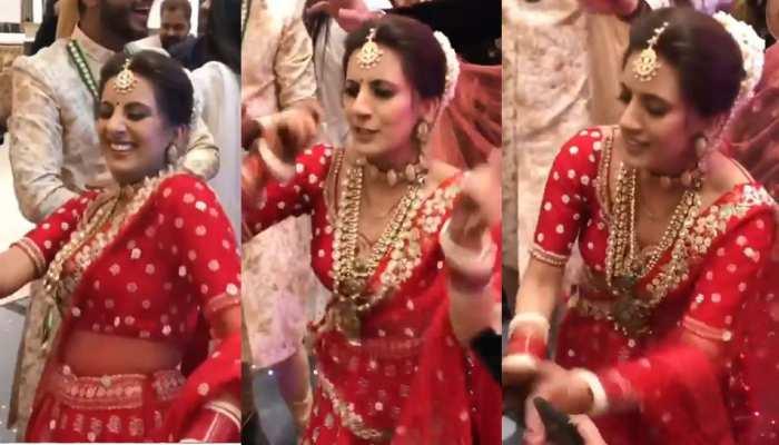 VIDEO: पंजाबी सॉन्ग 'होली-होली' पर दुल्हन ने किया ऐसा डांस, सब देखते रह गए